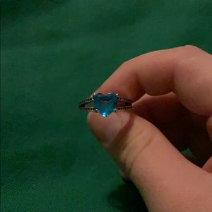 Size 7 blue heart ring